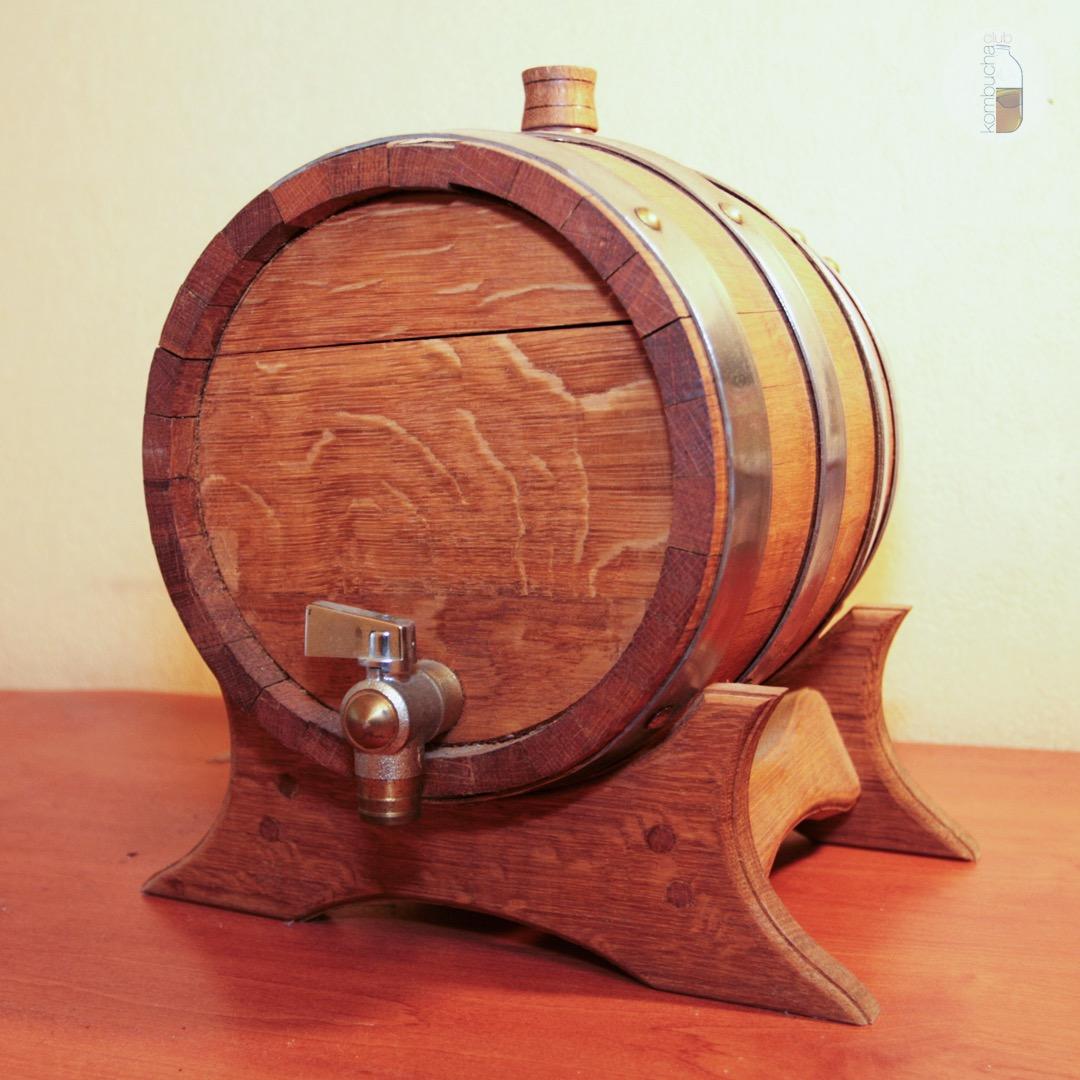 Ёмкость для ферментации комбучи деревянная бочка